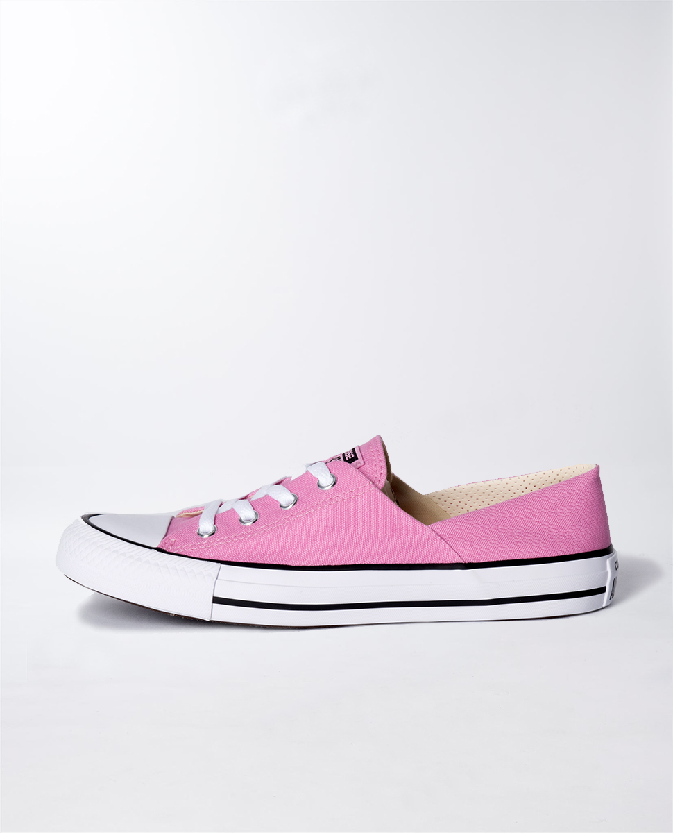 Chuck Taylor Coral Canvas Ladies