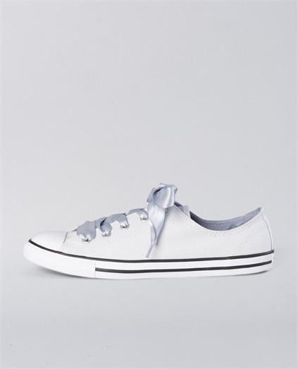 Dainty Canvas Satin Low Shoes