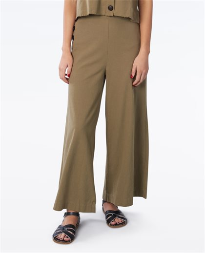 Just Rouser Flare Crop Pant