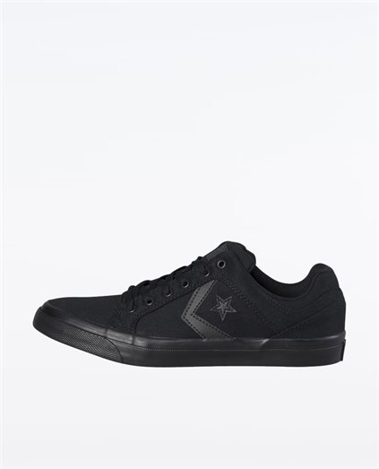 Distrito Low Top Black Shoes